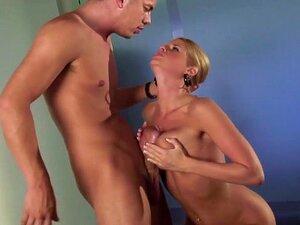 Alex Blake geduscht in Cumshots nach heißem Orgasmus Stampfen