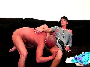 Penis jungs steifen nackt mit Nackt bei