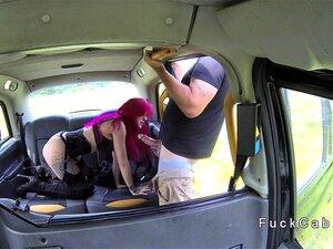 Taxi Weibliche Rothaarige Fake Plus