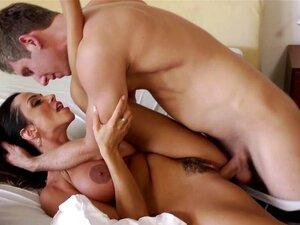 Ariella Ferrera nimmt den Freund ihres Cuckold-Mannes mit nach oben und fickt ihn