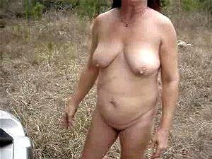 Bilder wald oma im nackt Nacktheit