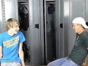 Umkleidekabine der jungs in Umkleide Jungs