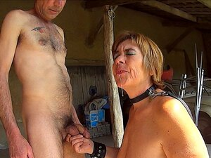 Nackt sklaven Sklavenmarkt