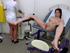 Sex auf gynäkologischem stuhl