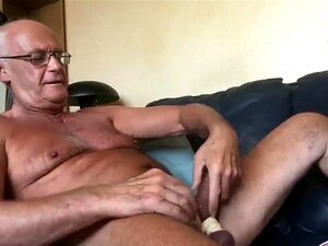 Mann Mädchen masturbiert alten Junges Mädchen