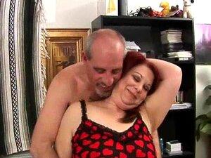 Frau nackte dicke Nackte Oma