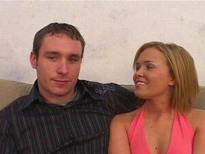 Betrügerisches Babe Alyssia Kent fickt Ehemann und gibt Liebhaber einen Handjob