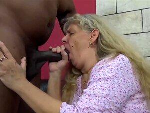 Schwarz anal ältere Frauen