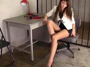 Satomi Suzuki bekommt ihre großen japanischen Titten im Büro mit Sperma überschüttet