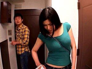 Amateur japanische Ehefrauen werden zum Spritzen und Creampie gefickt