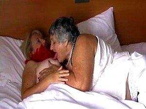 Sex oma lesben Fetish