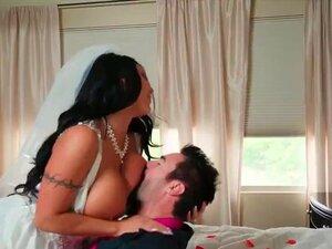 Erste Hochzeitsnacht der heißen Braut Anikka Albrite und ihres hübschen Bräutigams