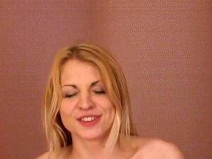 Die heiße blonde Jungfrau Anna Ruslanova wurde wunderschön genagelt