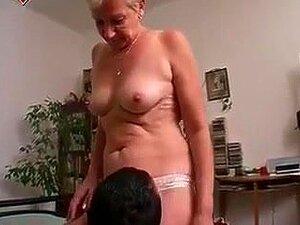 Oma hat sex mit enkel