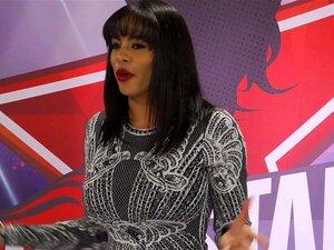 Luna Star fantasiert davon, im Nachtclub mit Schwarzen zu ficken