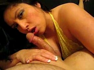 Latina Ehefrau Blowjob Freund