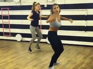 Heißes Mädchen Tanzen Strippen