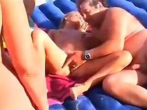 Am schweinchenstrand nackt Cap D'agde