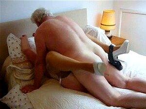 Während Saugen Orgasmus Ehefrau Ehefrau beliebt