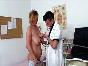 Arzt frau nackt Kostenlose Videos