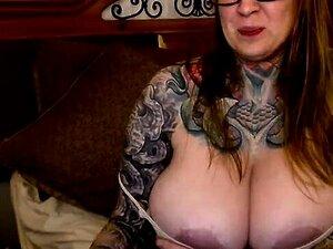 Reife Riesige Titten Masturbation
