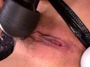 Hibiki Otsuki bekommt ihre asiatische haarige Muschi zum Spritzen gefickt