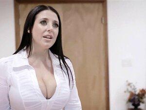 Angela White wird von BBC in ihren großen MILF-Beute gebohrt