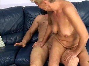 Nackt omas über 80 Alte Oma